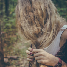 5 gorgeous hairstyles for summer travelling